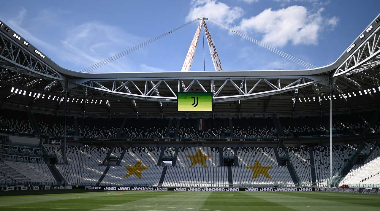 Juventus confidently beat Torino in Turin derby