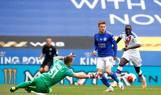 Leicester City defeats Crystal Palace