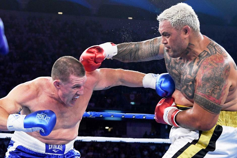 Mark Hunt vs. Paul Galen. Mma vs Rugby by the rules of boxing.