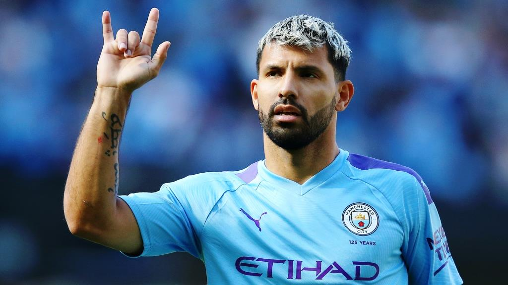 Aguero became the most titled player in Manchester City In terms of the number of trophies