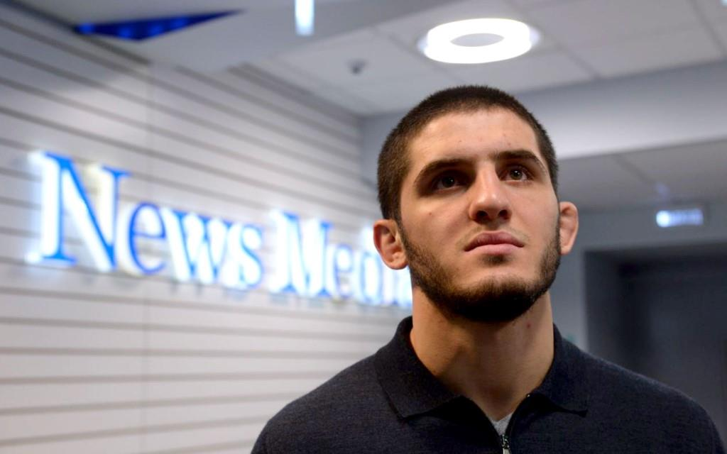 Islam Makhachev ironically explained on social networks the organization of his fight with the little-known Brazilian Thiago Moises