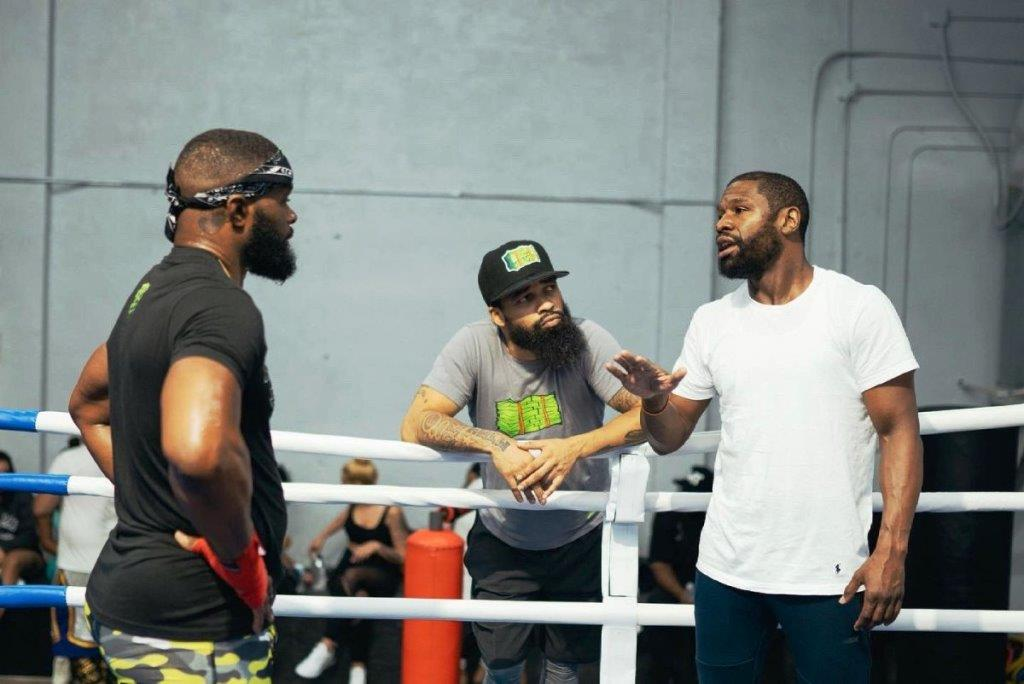 Tyron Woodley told how the first training session with Floyd Mayweather went
